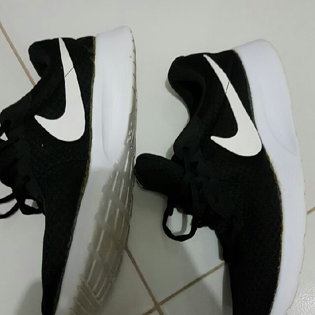 Sepatu Nike Tanjun Black Size 42