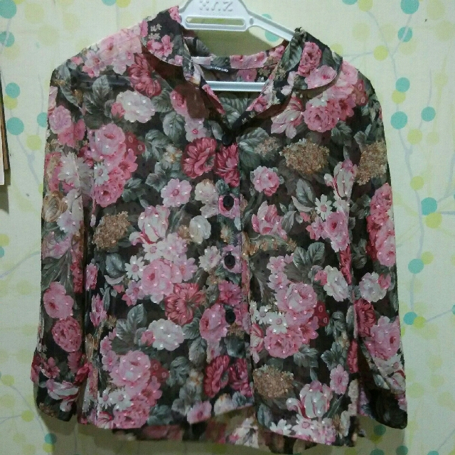 Sheer Floral Cropped Blouse. #PBF80