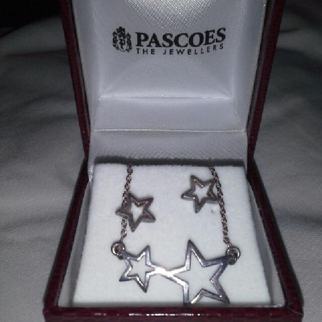 Star earrings & necklace set