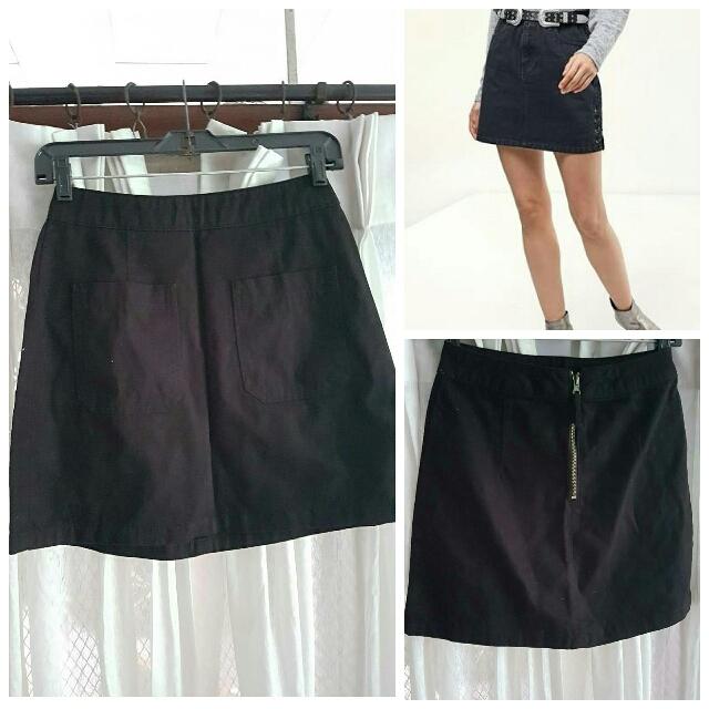 Stradivarius Black Skirt XS