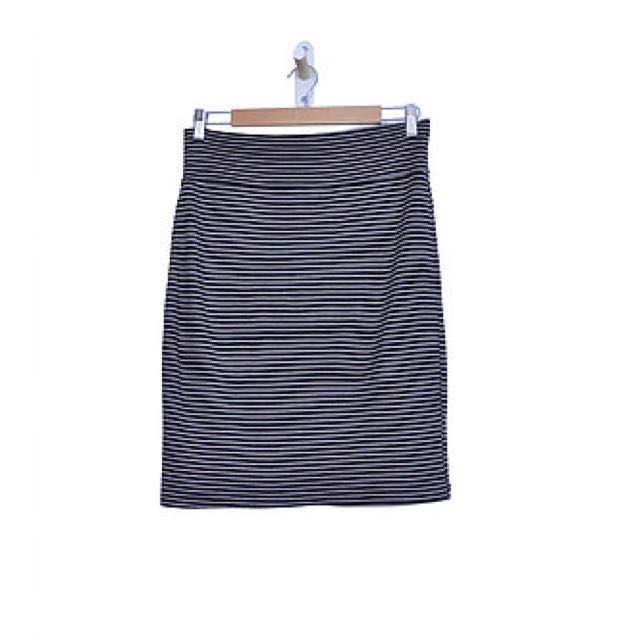 Stripped Midi-Skirt (L)