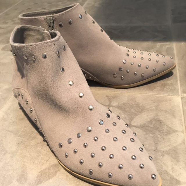 Studded suede grey boot