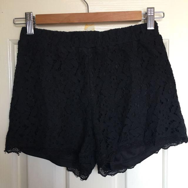 Temt Black Lace Shorts -size 6