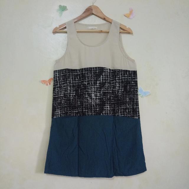 Tri Color Sleeveless Shift Dress