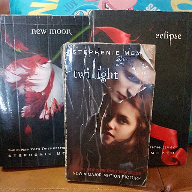 Twlight, Eclipse, New Moon (Stephenie Meyer)