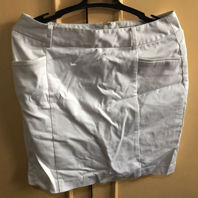 White formal G2000 skirt (Size 32)