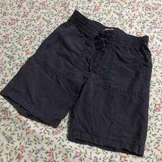 Christmas sale! Old Navy 4T Short Black