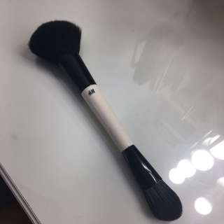 H&M Makeup Brush