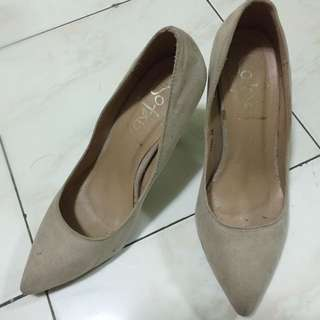 SoFab Lain Pointed Pumps