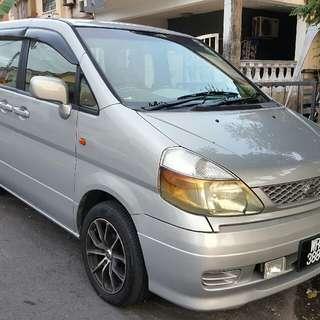 Nissan Serena 2.0 Year 2004