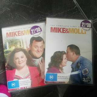 Mike And Molly Seasons 1-2