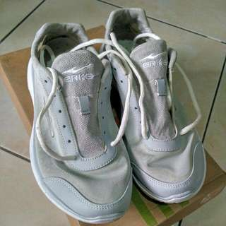 Erke W Running Shoes