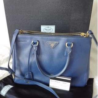 bfa56dcfe7c7 Classy Preloved Prada Saffiano Large Tote Bag