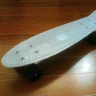 "22"" Blue Glow-In-The-Dark Cruiser Skateboard"