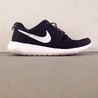 Nike Roshe Classic
