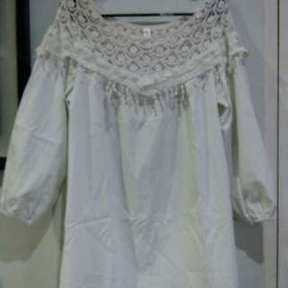 Long Top with Lace design