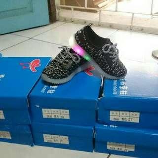 Sepatu Balita Nike