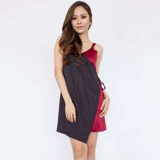 Contrast Panel Draped Dress - Maroon
