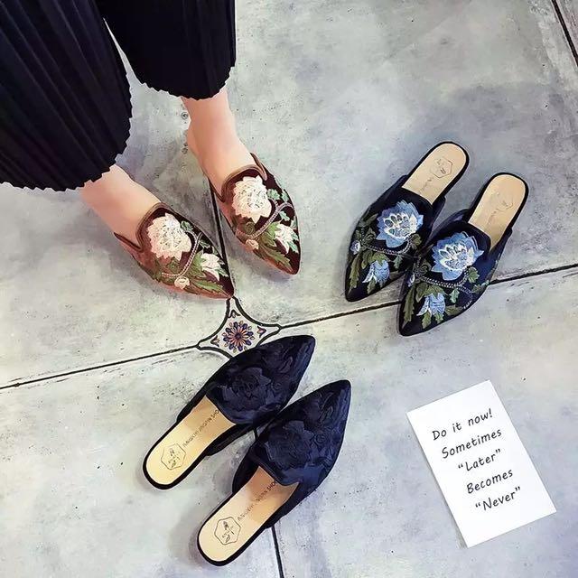 小貓同款刺繡花朵鞋(黑藍色)37號、23.5