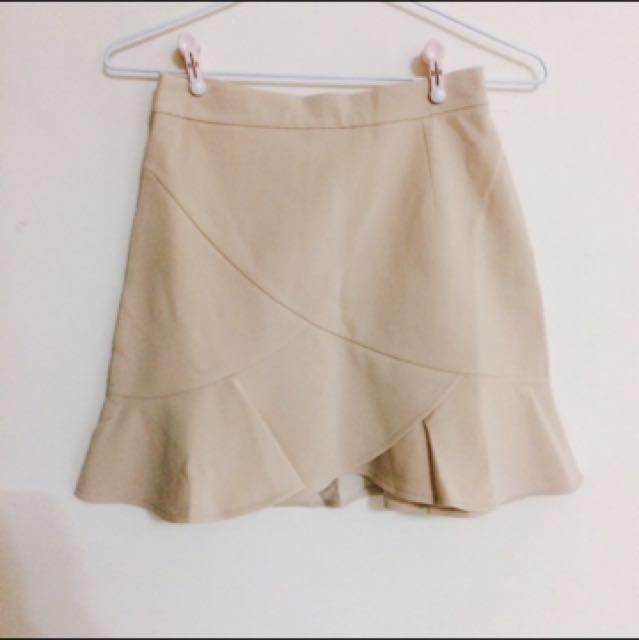 韓國氣質杏色魚尾後拉鍊短裙