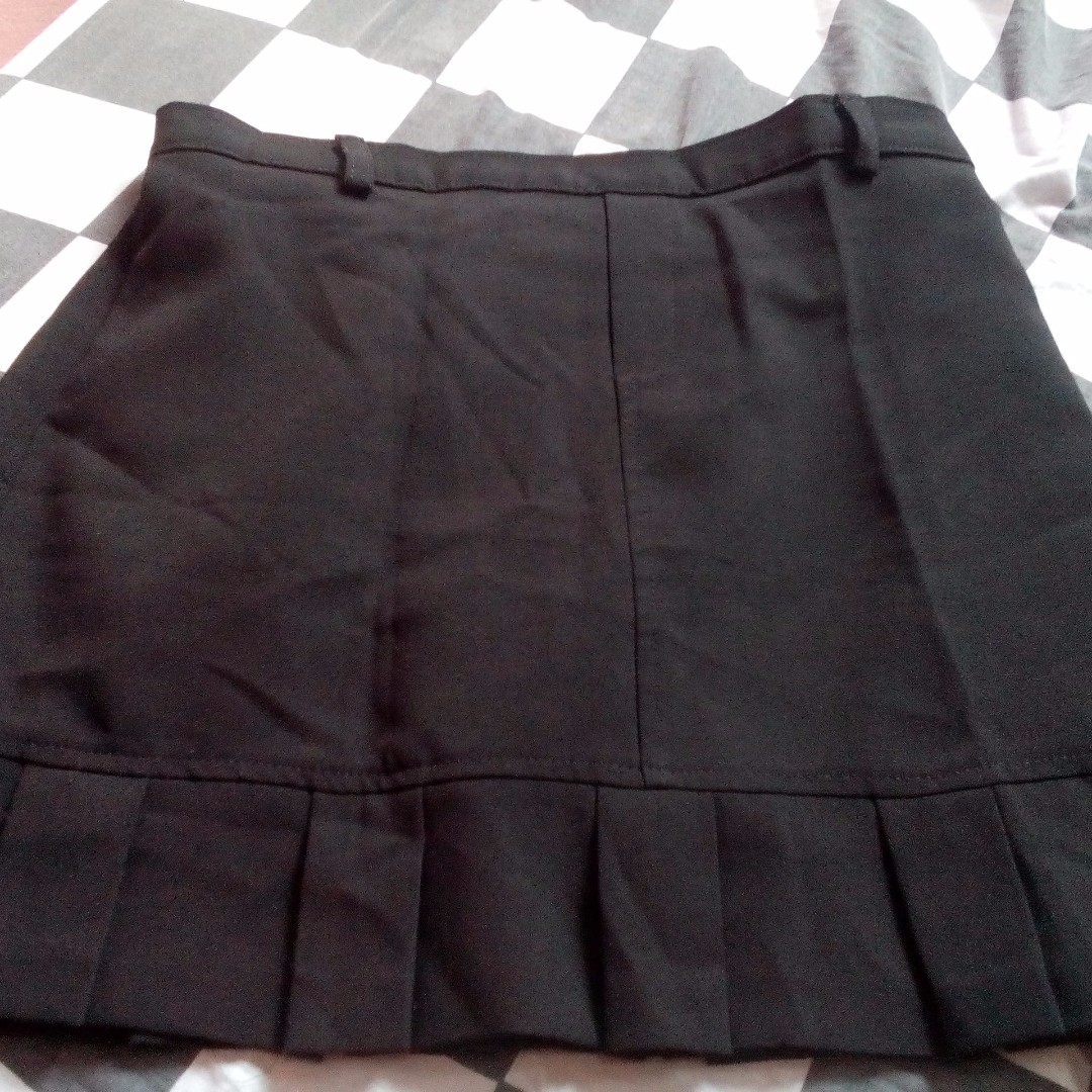 AMY BYER BLACK SKIRT