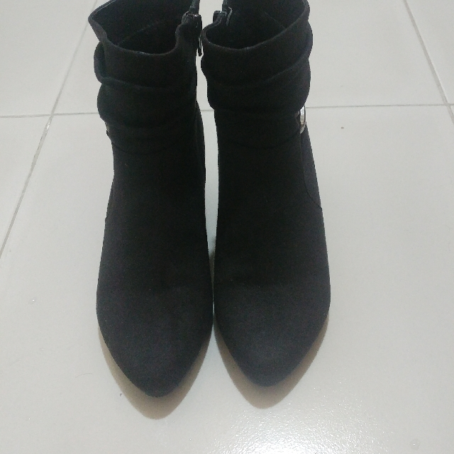 Black Velvet Low-cut Boots
