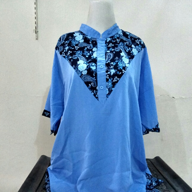 blue flower tshirt