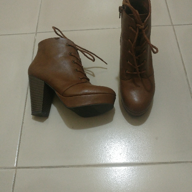 Brash brown ankle boots
