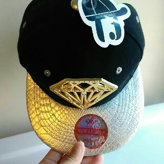 Diamond Snap back