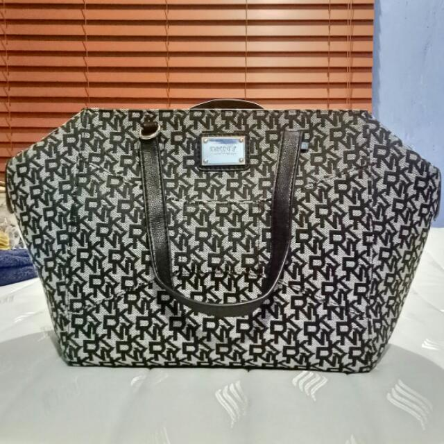 DKNY bag (US bought 💯% Authentic)