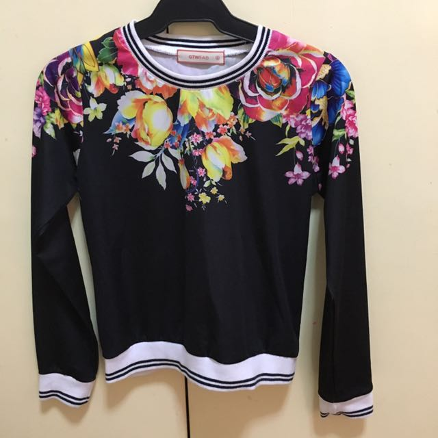 Floral Crop Top Sweat Shirt