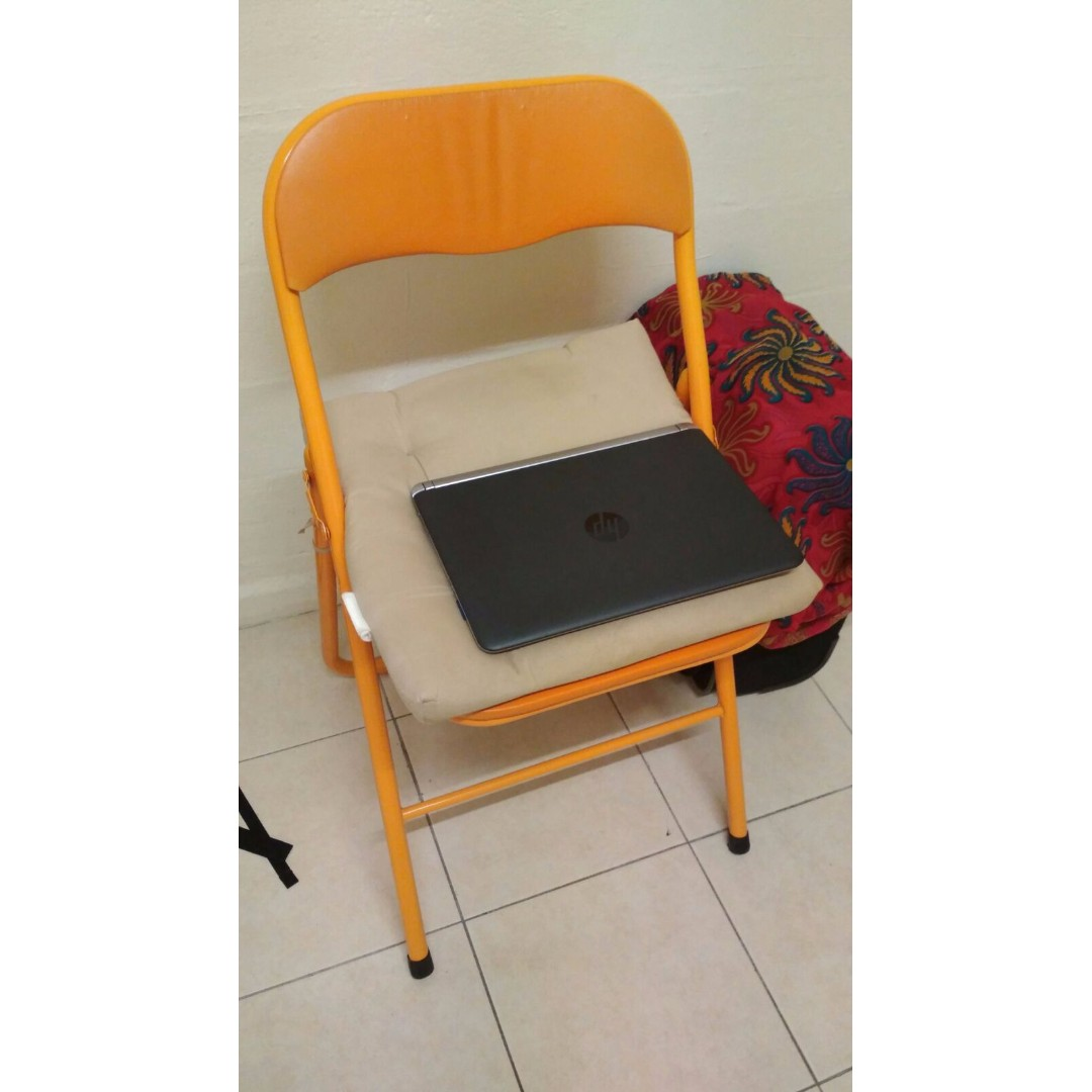 Foldable chair with cushion