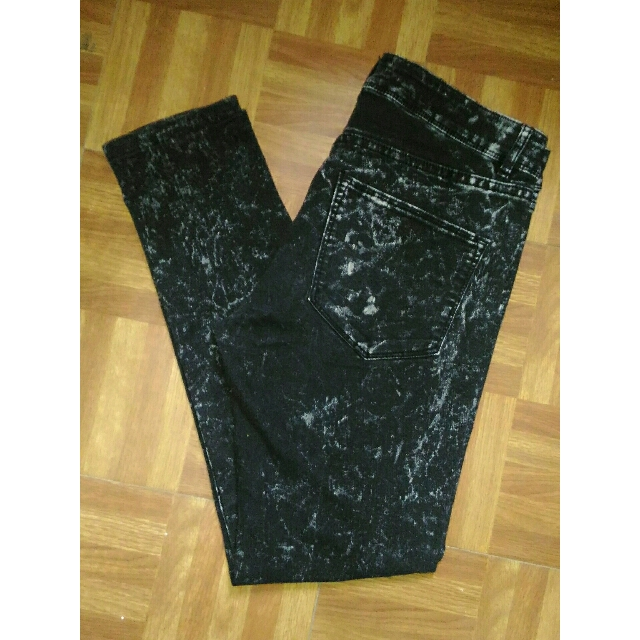 H&M DIVIDED Black Acid Wash Jeans