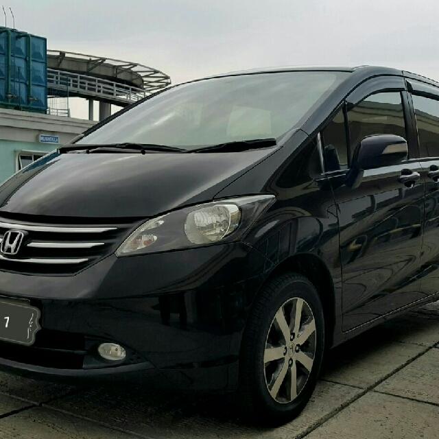 Honda FREED E 1.5 CVT PSD 2011 HITAM METALIK