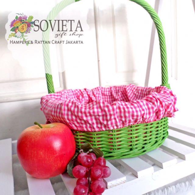 Keranjang Piknik Rotan / keranjang buah-buahan