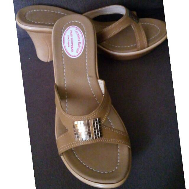 Liliw Laguna Shoes Size 6