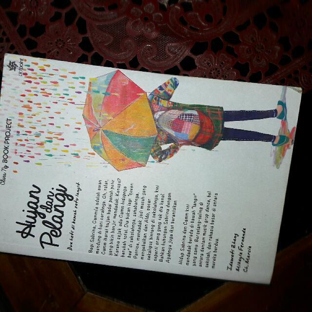 Novel Hujan dan Pelangi