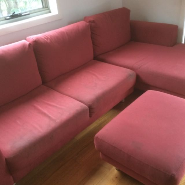 Red Lounge With Ottoman