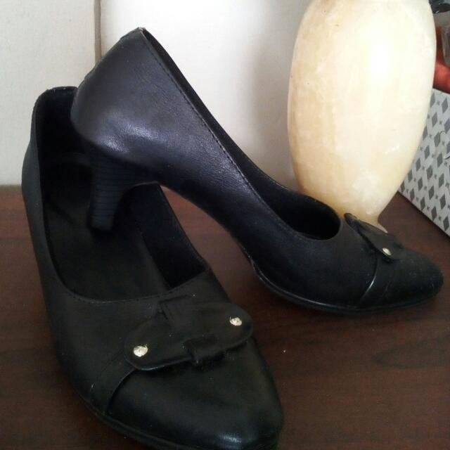 Sepatu Kerja