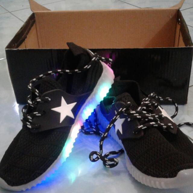 Sepatu Lampu LED Anak