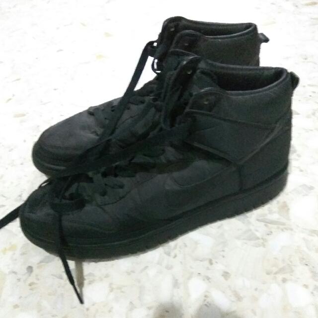 Sepatu NIKE Dunk Size 10 US / 44 EUR