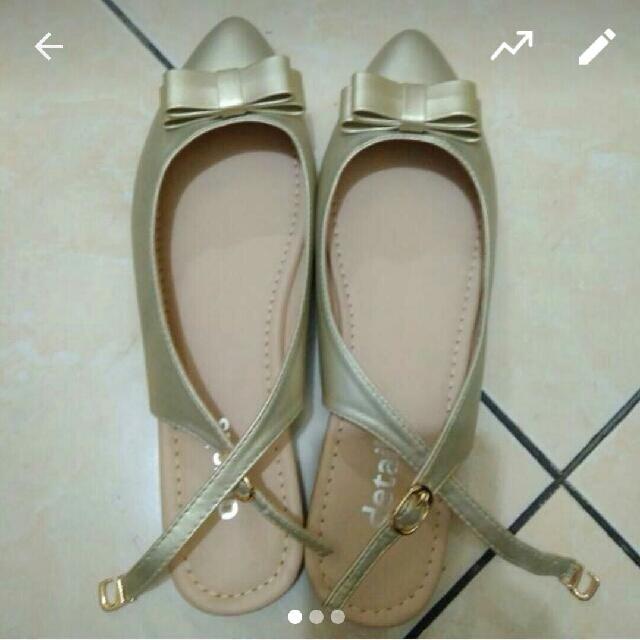 Sepatu Sendal Gold Merk DETAILS