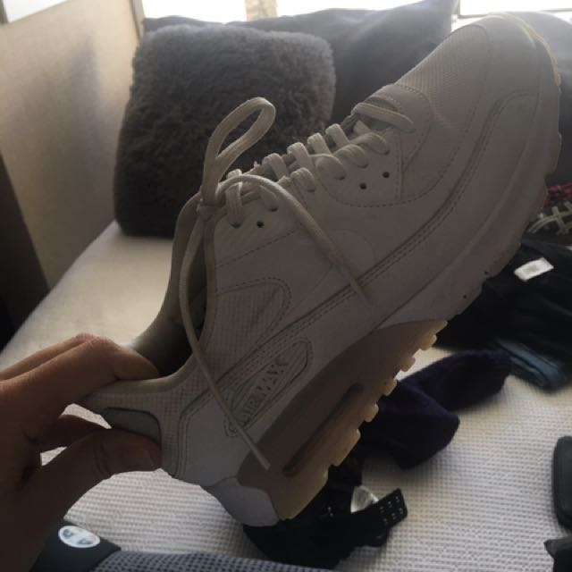 White Nike Does
