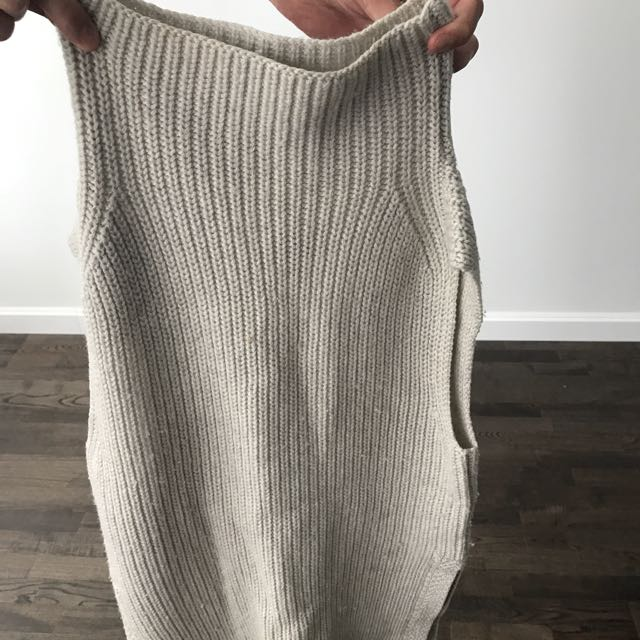 Wilfred Aritzia Durandal Sweater