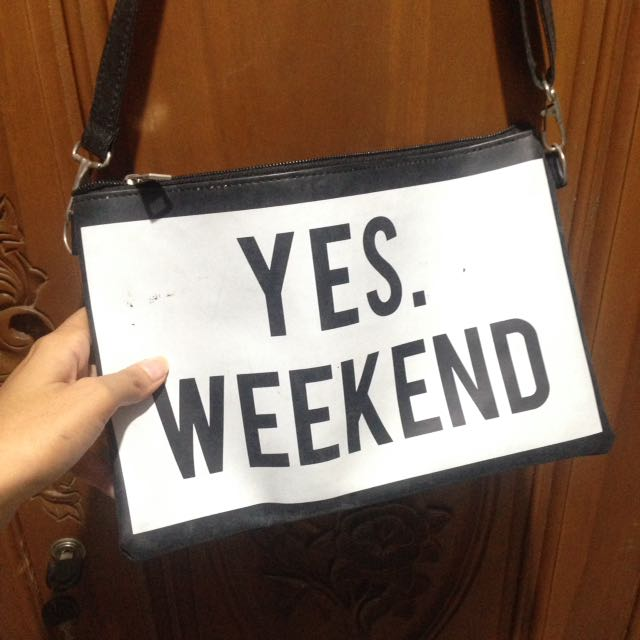 Yes Weekend Clutch