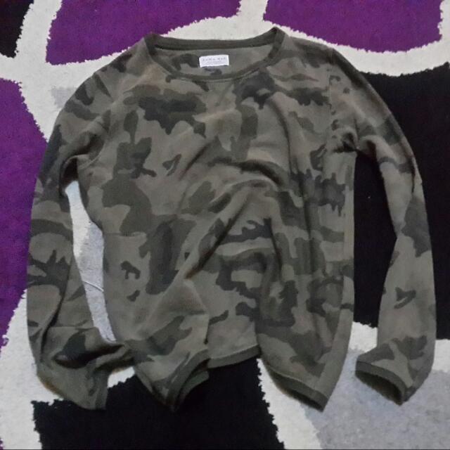 Zara Camo Sweater sz S