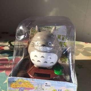 Cute Totoro Solar Shake Head
