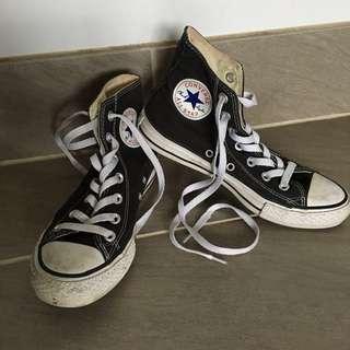 Size 8 Converse