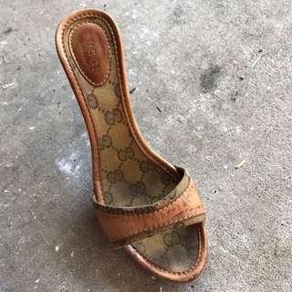 Authentic Gucci Shoes Size 35