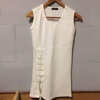 全新拍照才拆包裝 合身包臀顯腰身彈性洋裝白色綁帶性感性格又有個性連身洋裝交叉綁帶夜店